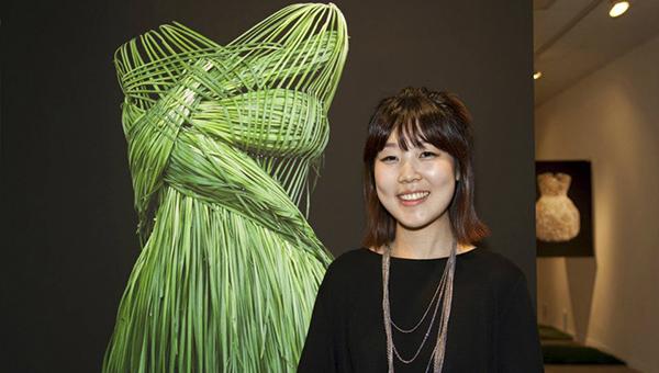 Yeonju Sung  600 х 340