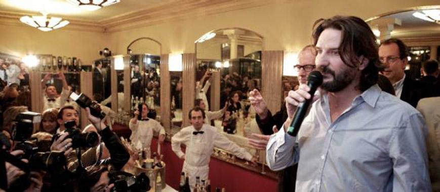 Фредерик Бегбедер на вручении премии Кафе де Флор, 2013 869 х 379