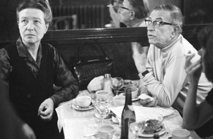Сартр и де Бовуар в Кафе де Флор 700 х 458