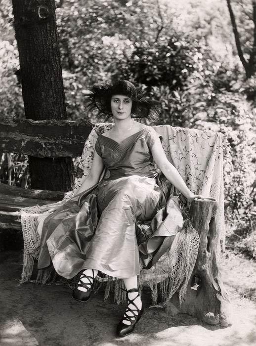 Анна Павлова, июнь 1920  518 х 700
