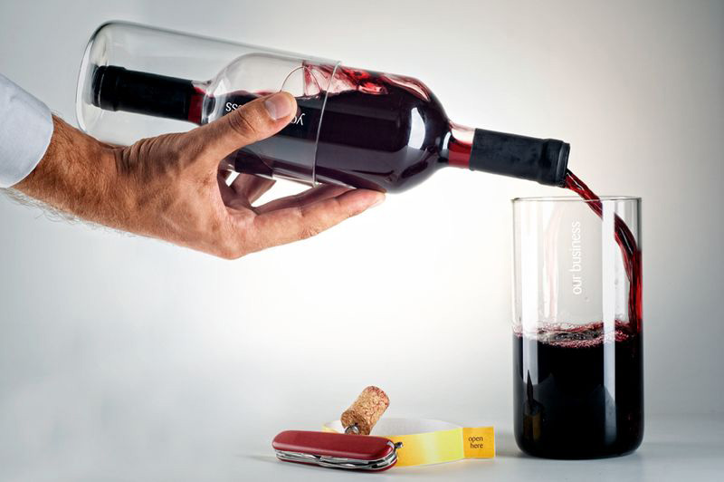 бутилка у писді фото