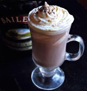 горячий шоколад с ликером Бейлис  650 х 678