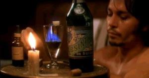 кадр фильма-из ада (2001)-джонни депп-абсент