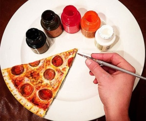 Жаклин Пуарье-гиперреализм-пицца