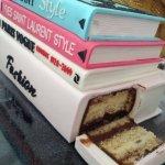 торт-связка книг с надрезом-Edible Book