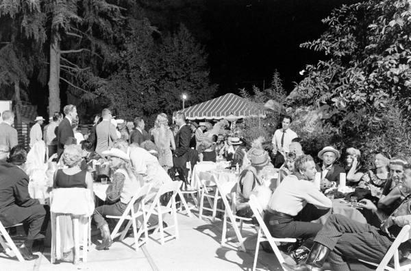вечеринка в Саду Аллы-Garden Of Allah Party--1959