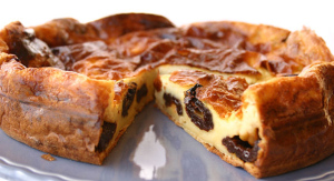 бретонский пирог с черносливом 600 х 326