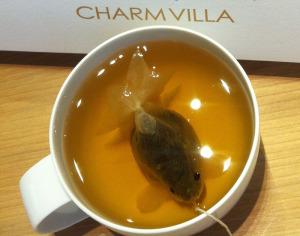 чайная золотая рыбка  800 х 631