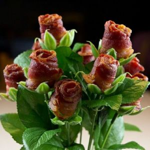 bacon rose bouquet.-1