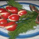 букет тюльпанов из фаршированных помидор-1