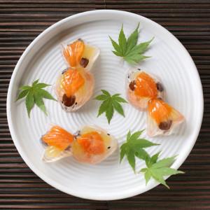 янонские десерты из желе-3 золотые рыбки