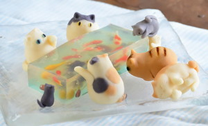 янонские десерты из желе - аквариум и коты