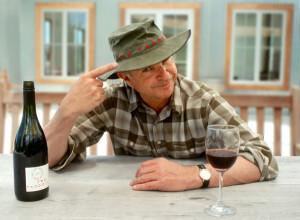 Сэм Нил и его вино 600 х439