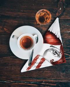 кофейные арт компиляции - Синтия Болоньези (Cinzia Bolognesi)-Кофе с горечью