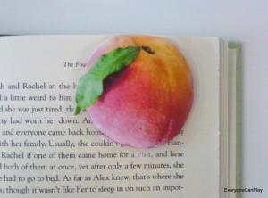 книжные закладки-персик