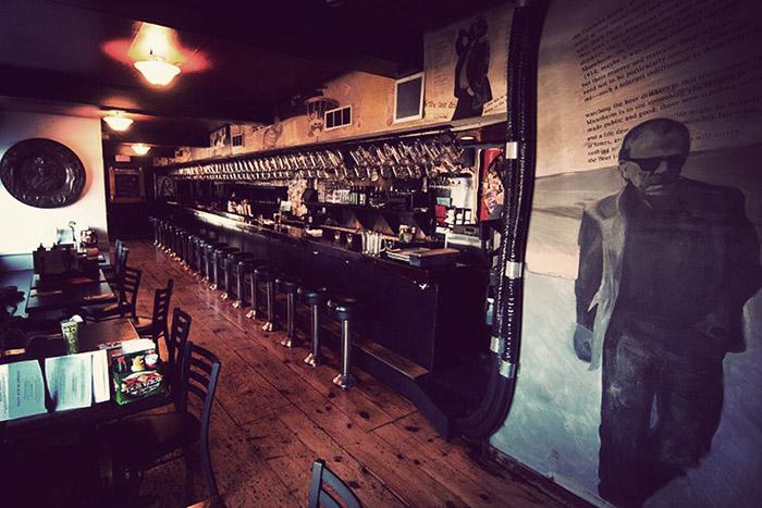 Bukowski Tavern 700 х 467