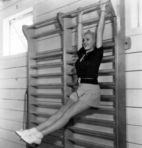 betty-grable-workout-384x400