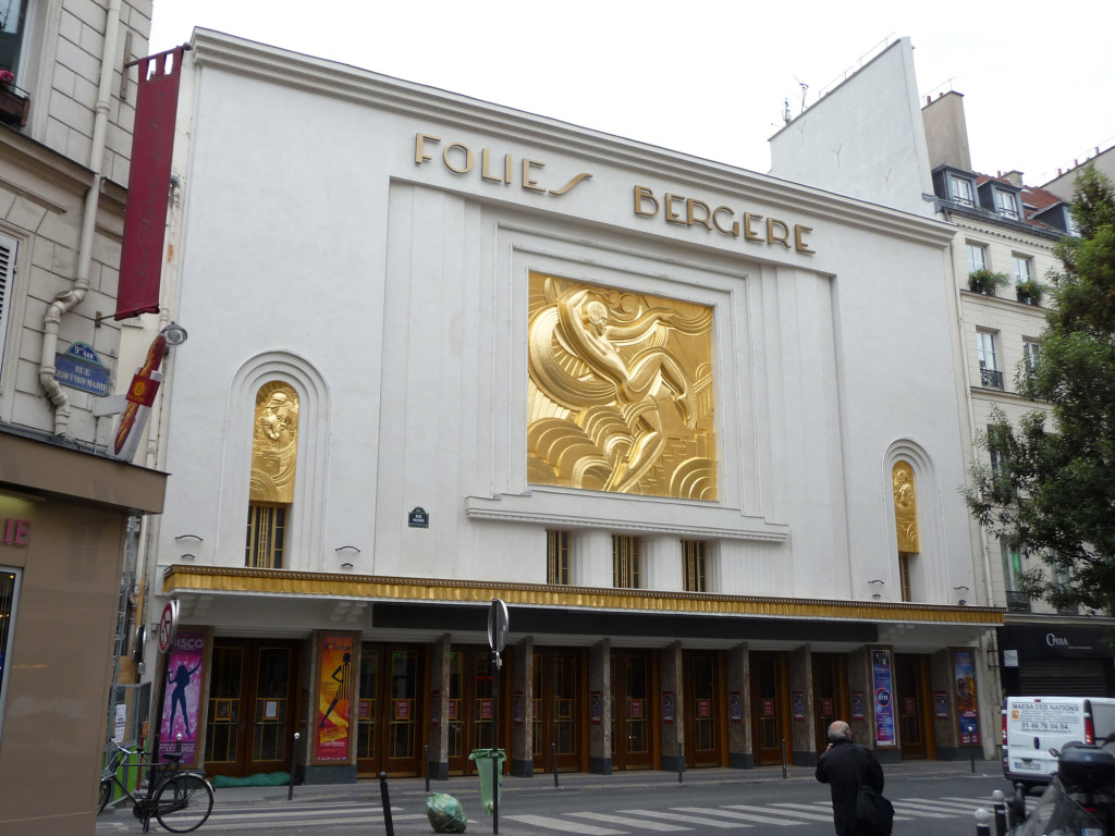 Folies_Bergere_after_renovatation_of_facade_2013