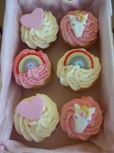пирожные-радужный единорог