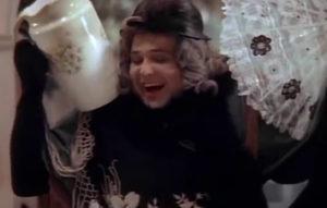 кадр из комедии Здравствуйте, я ваша тетя