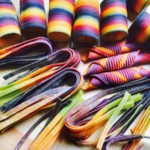 линда николсон_цветные макароны
