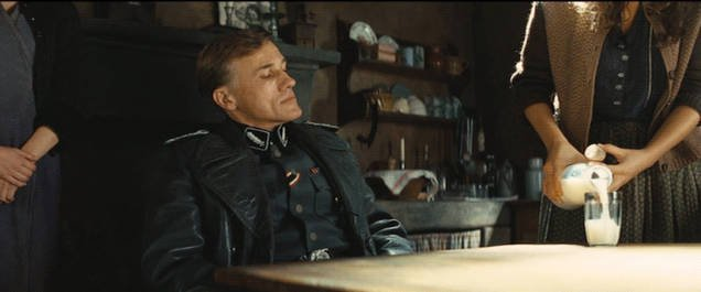 сцена из фильма Бесславные ублюдки