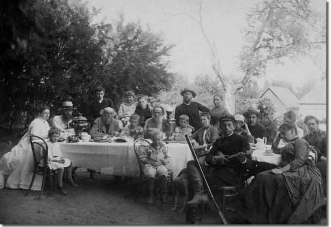 Семейство Толстых с друзьями, 1888 год
