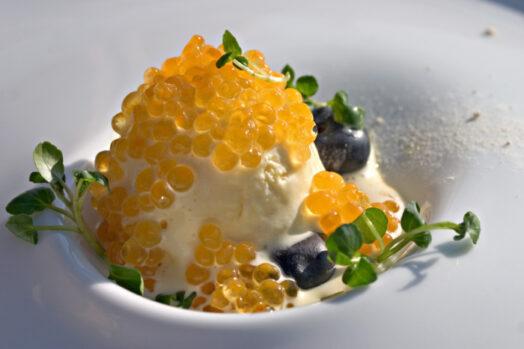 французское мороженое с добавкой белужьей икры