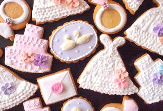 ручная роспись печенья цветной глазурью